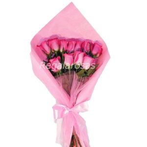 ramo extendido con 12 rosas rosadas a domicilio en santiago