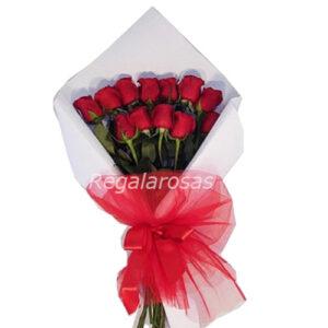 Ramo extendido con 12 rosas rojas a domicilio en santiago