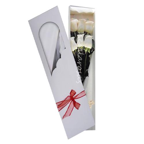Caja con 6 rosas blancas a domicilio en santiao
