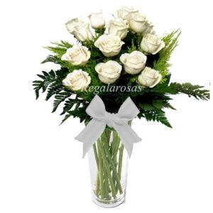 Florero Rosas Blancas ecuatorianas a domicilio en santiago