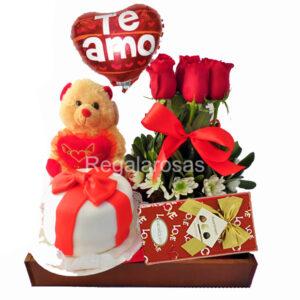 rosas rojas y torta a domicilio en santiago