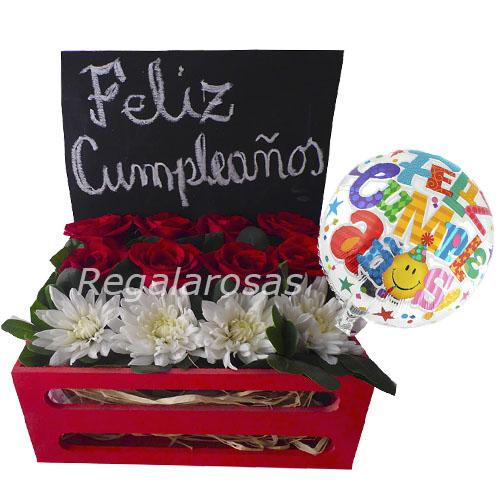 Arreglo de rosas rojas maules blancos cumpleaños a domicilio en santiago