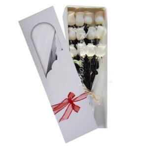 Caja con 12 rosas blancas a domicilio en santiago