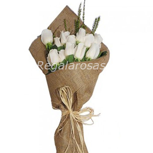 12 rosas blancas ecuatorianas de cumpleaños para Cumpleaños a domicilio en santiago