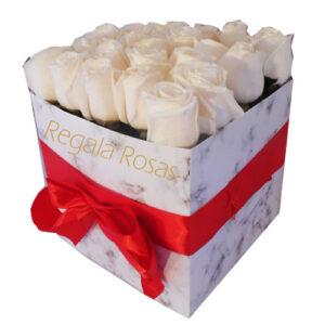 Caja de rosas a domicilio
