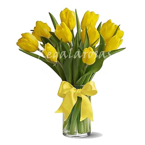 Florero con Rosas Amarillas Feliz Dia Mama