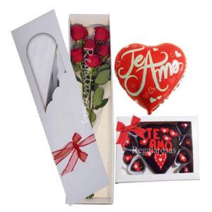 Caja de rosas a domicilio, chocolates y globo de aire, te amo.